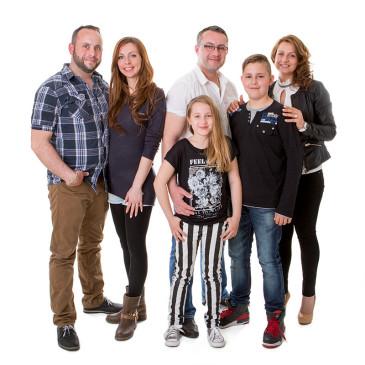 Studio-Familienfoto in Nordhackstedt – Besuch aus Bielefeld