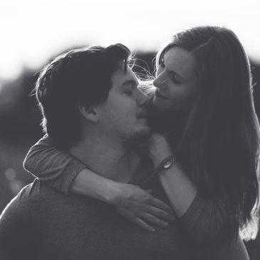 Jana und Max – Verlobungsshooting in der Heide